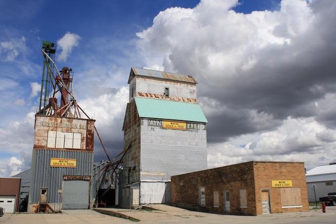 Grain Elevator in Wayne, Nebraska [Nebraska Slot Machine Casino Gambling in 2020]