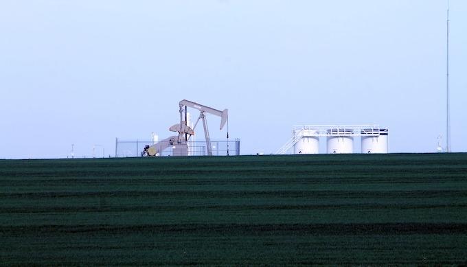 Oil Rig in Farmland [Oklahoma Slot Machine Casino Gambling in 2020]