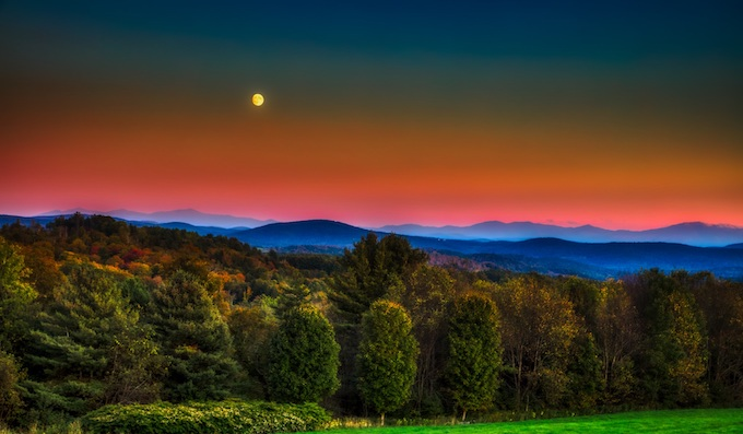 Vermont Under a Full Moon [Vermont Slot Machine Casino Gambling in 2020]