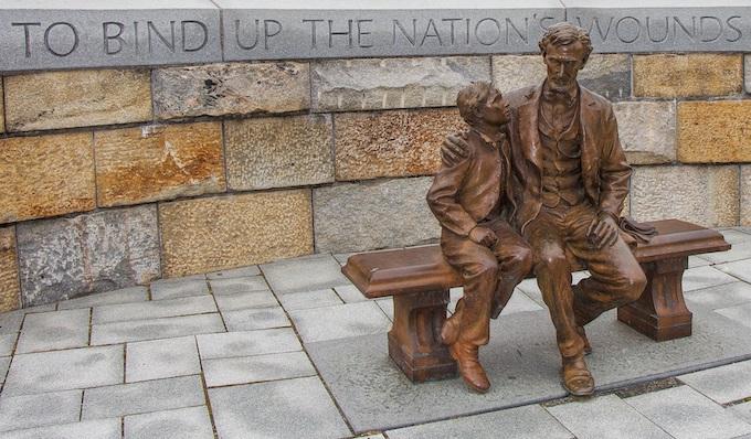 Abraham Lincoln and Tad Statue [Virginia Slot Machine Casino Gambling in 2020]