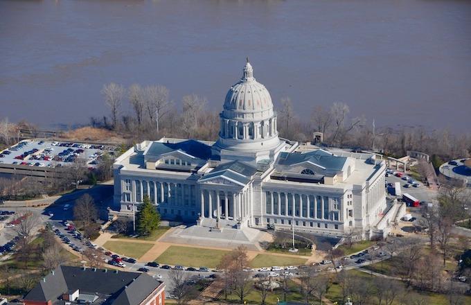 Capital Building in Jefferson City [Missouri Slot Machine Casino Gambling in 2020]