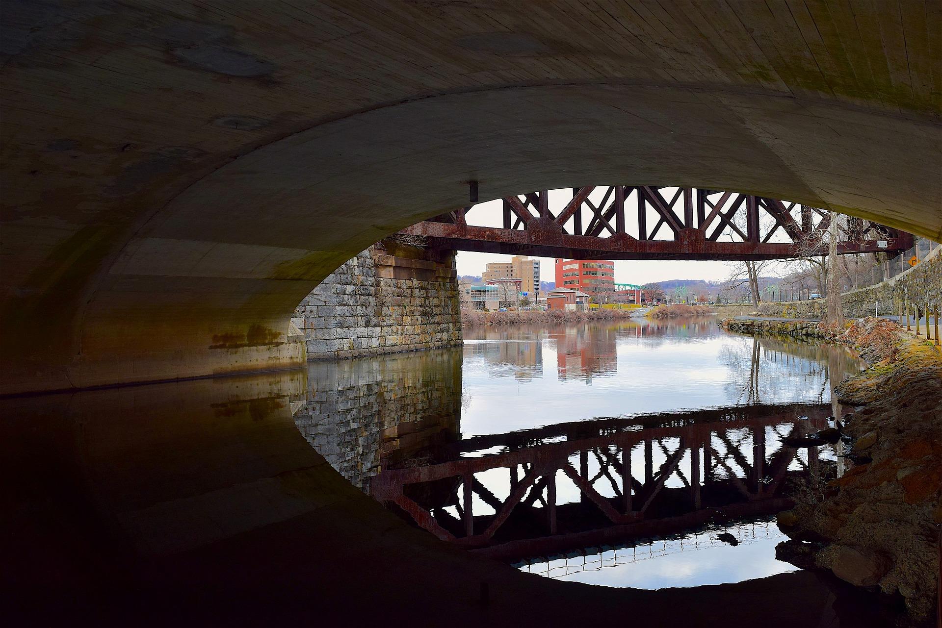 DE River Tunnel