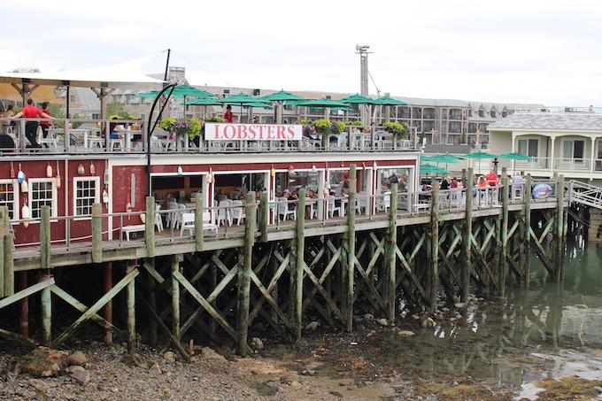 Maine Slot Machine Casino Gambling: Maine lobsters.