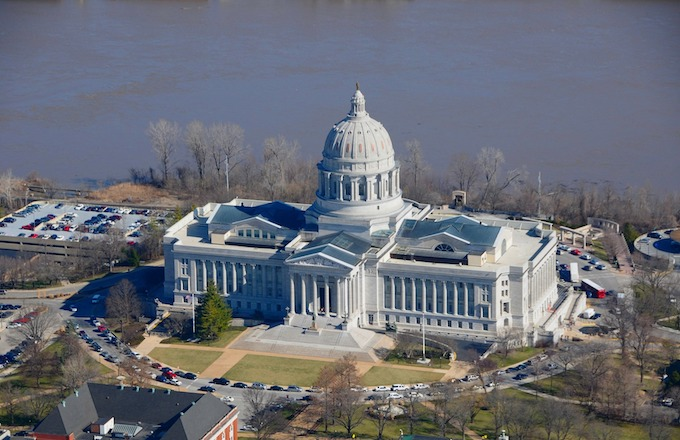 Missouri Slot Machine Casino Gambling: Missouri State Capital Building in Jefferson City.
