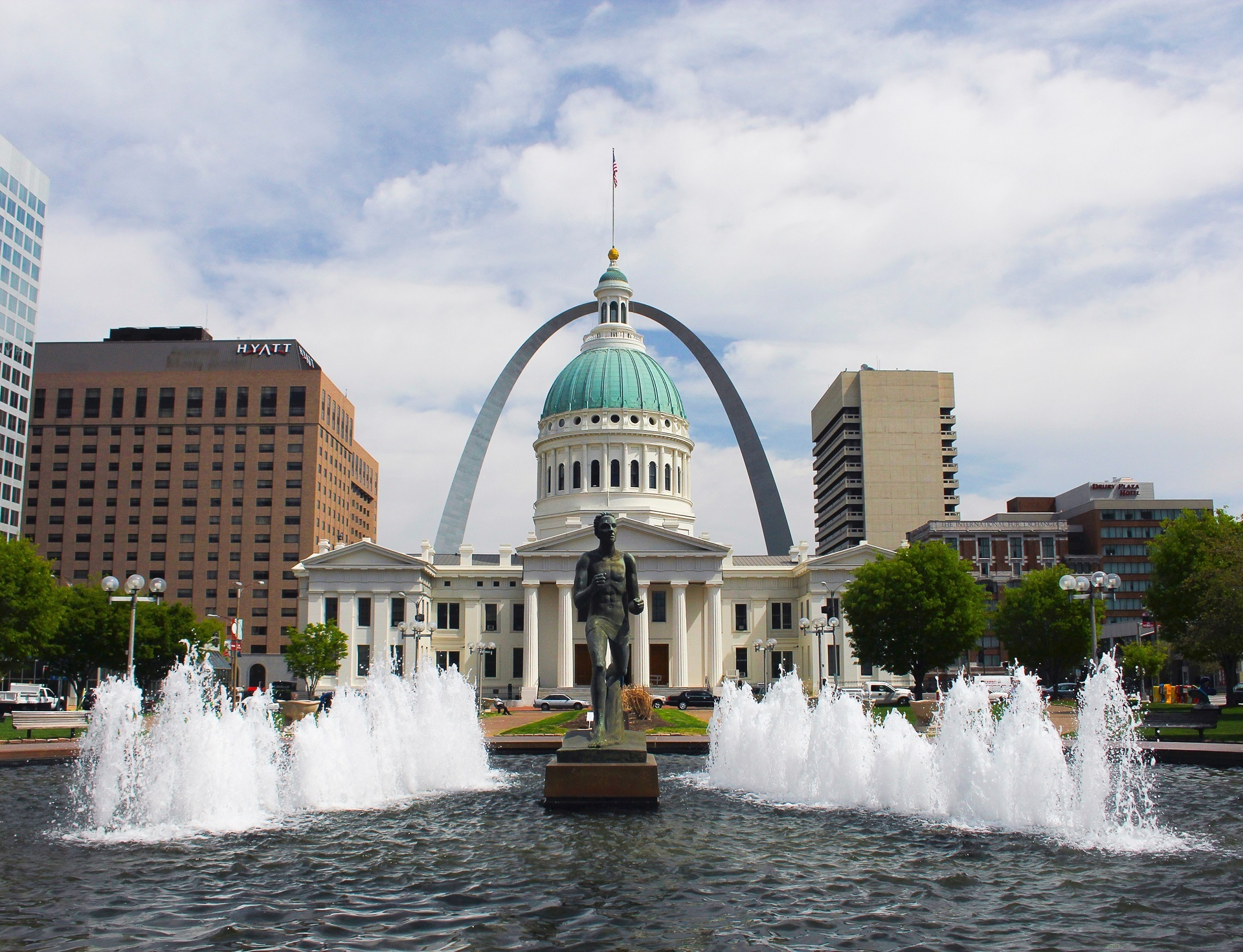 Missouri Slot Machine Casino Gambling: St. Louis, Missouri, Gateway to the West.