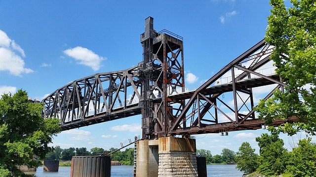 Railroad Lifted Bridge Crossing in Little Rock (Arkansas Slot Machine Casino Gambling 2018).