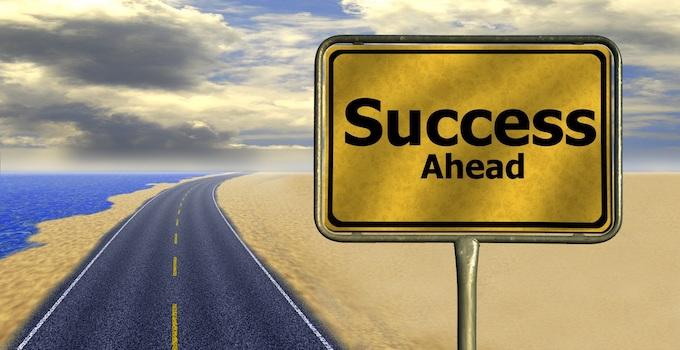 Success Ahead Road Sign [Professor Slots 2019]