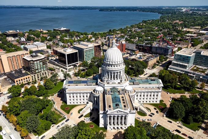Madison's State Capital Building [Wisconsin Slot Machine Casino Gambling in 2019]