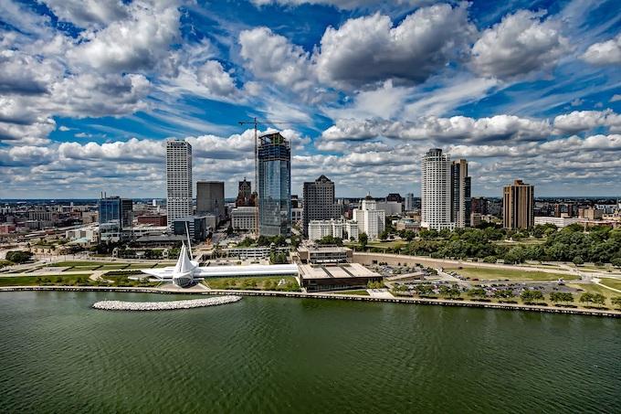 A River View of Milwaukee [Wisconsin Slot Machine Casino Gambling in 2019]