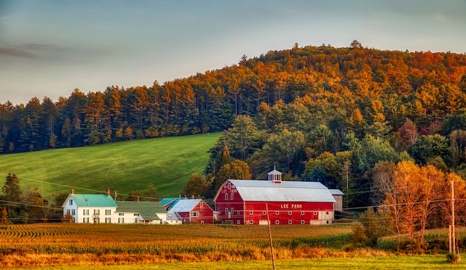 Lee Farm with Fall Foliage [New Hampshire Slot Machine Casino Gambling in 2020]
