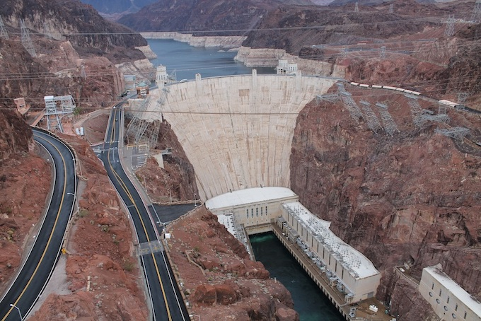 Hoover Dam and Lake Mead [Nevada Slot Machine Casino Gambling in 2020]