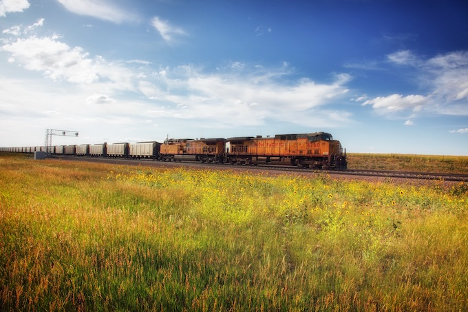 Freight Train Hauling Grain [Wyoming Slot Machine Casino Gambling in 2020]