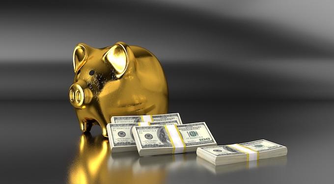 A Golden Piggy Bank [The Golden Rule of Slots Play]