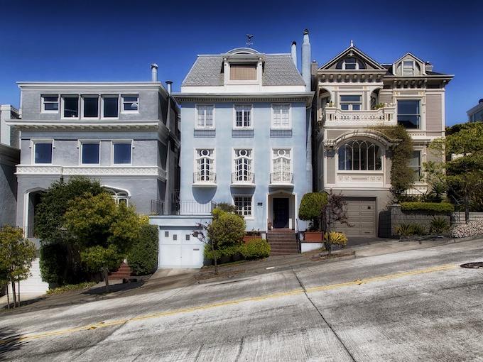 Tilted San Francisco Street [California Slot Machine Casino Gambling in 2020]