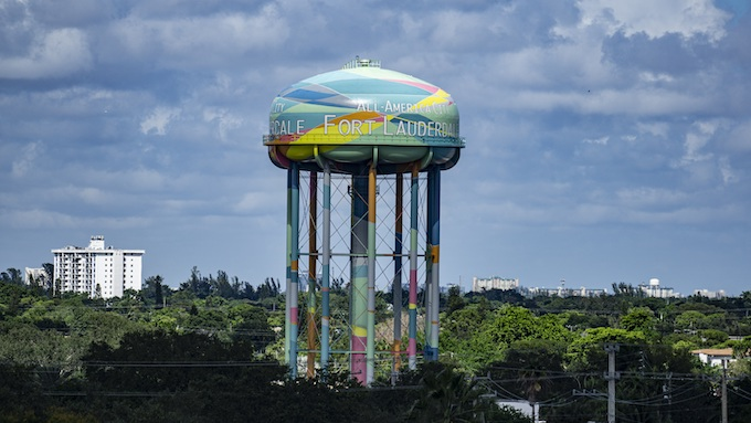 Fort Lauderdale's Colorful Water Tower [Florida Slots RTP]