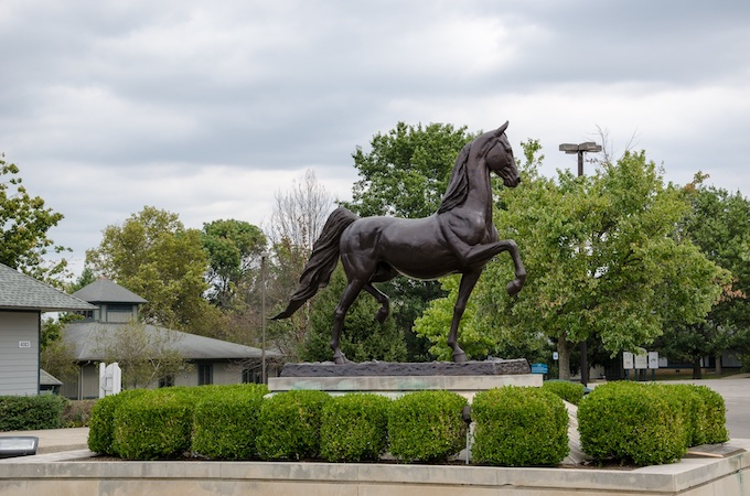 Supreme Sultan Statue in Lexington [Kentucky Slot Machine Casino Gambling in 2021]