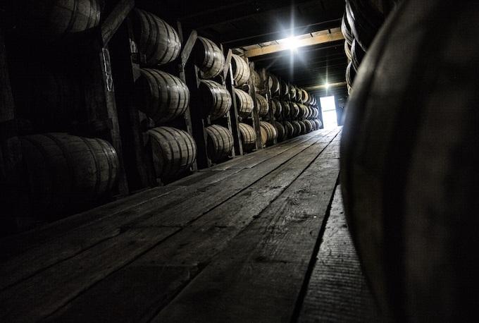 Aging Whiskey in Barrels [Kentucky Slot Machine Casino Gambling in 2021]