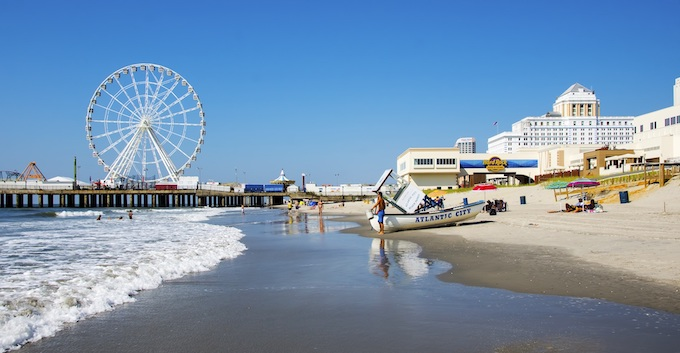 Setting Up for the Day at Atlantic City Beach [New Jersey Slots Return-To-Player 2021]