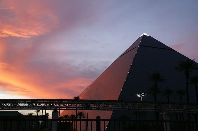 Luxor Las Vegas at Sunset [Nevada Slot Machine Casino Gambling in 2021]